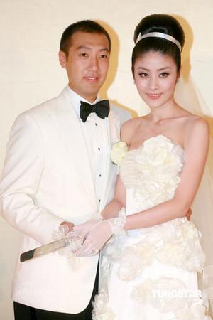 黄晓明Baby花2亿才排第二!盘点6对土豪明星世纪婚礼